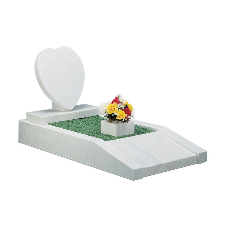 Heart and Kerbs Memorial image 1