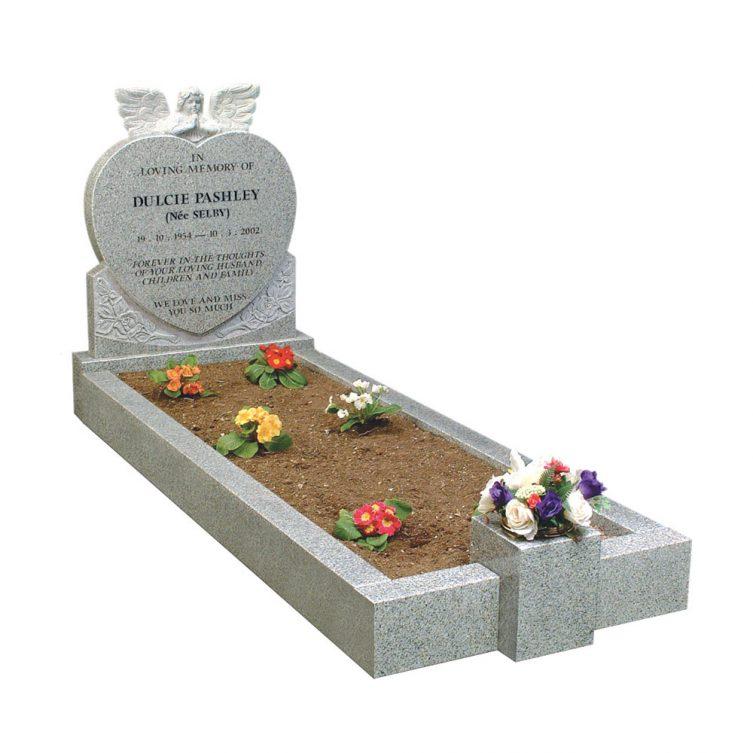 Praying Angel Kerbed Memorial image 1
