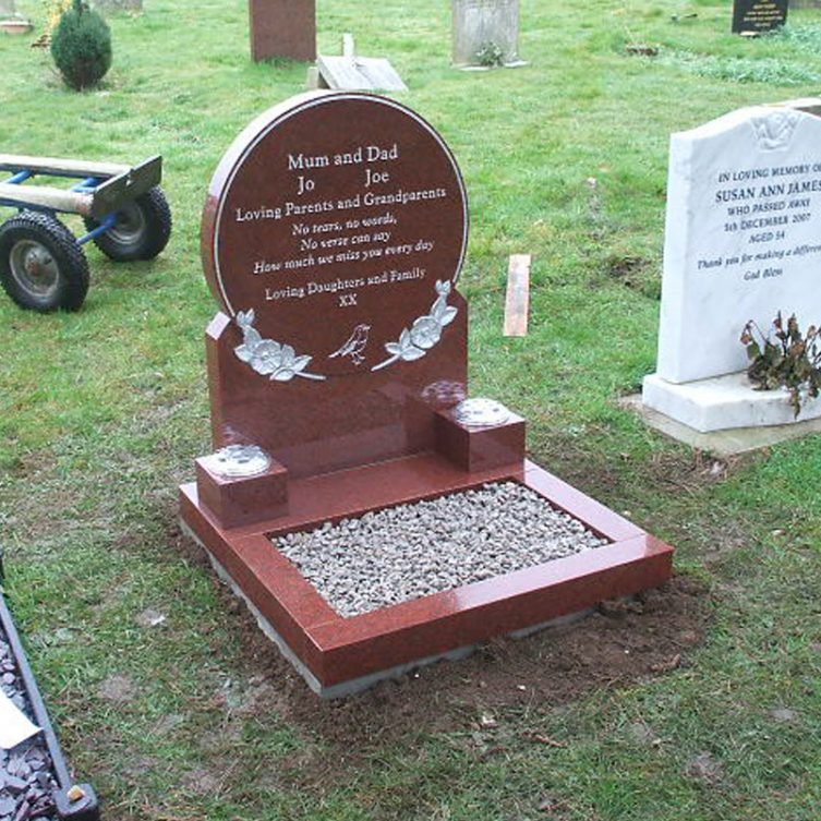 Circle Headstone with Roses